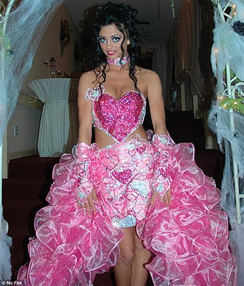 Big Fat American Gypsy Wedding dress designer admits even