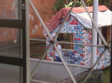 Casa de brinquedo feita de papelão faz IPTU de família aumentar em R$ 300