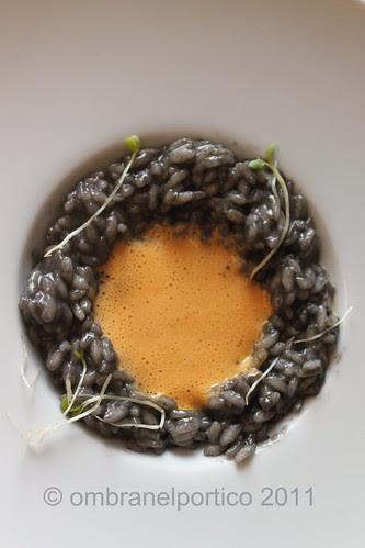 Risotto al nero di seppia e corallo di capasanta