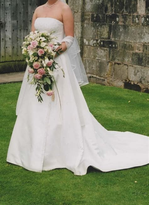 Maggie Sottero ivory wedding dress,worn once   Sell my
