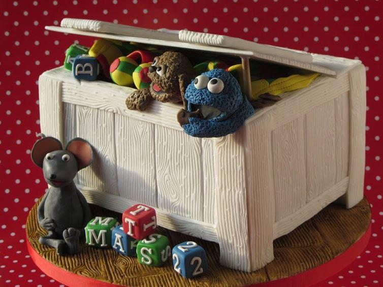 4. Коробка с игрушками произведение, торт