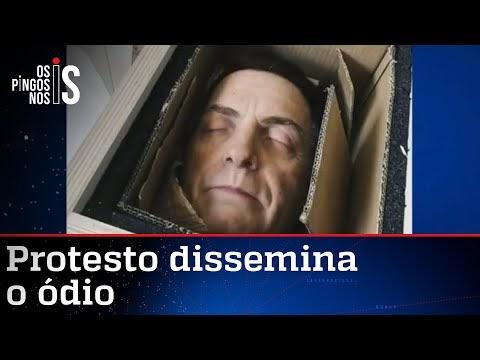 Grupo faz arte nefasta com a cabeça de Bolsonaro