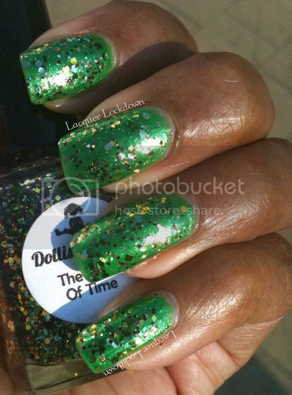 Lacquer Lockdown - dollish polish, dolish polish hero of time, glitter polish, indie, glitter gradient, laser gradient, china glaze paper chasing, nail art, sponging, gradient