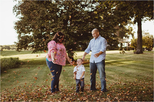 THE ALVAREZ FAMILY | FALL PORTRAITS AT TYDINGS PARK