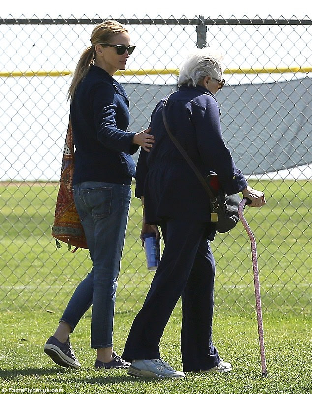 Actress Julia Roberts takes her mom Betty Lou  to the park with her sons Phinnaeus and Henry in Los Angeles in March, 2014