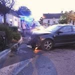 Saulon-la-Rue   Saulon-la-Rue : une voiture file tout droit dans un muret
