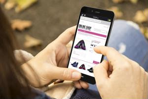 Amazon breaking into fashion market, selling at full price