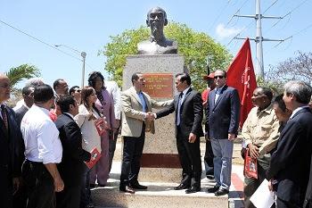 tượng đài HCM ở Dominica (Trung Mỹ)