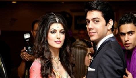 Goher Mumtaz & Anam Ahmad [Engagement Pictures]
