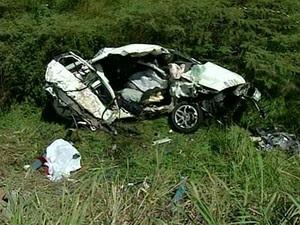 Acidente foi na rodovia que liga São Mateus e Nova Venécia (Foto: Reprodução/ TV Gazeta)