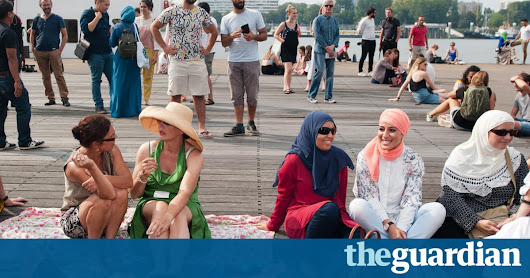 Europeans greatly overestimate Muslim population, poll shows | Society | The Guardian