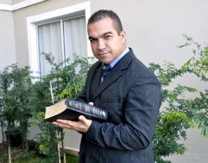 ex-ator-porno-pastor
