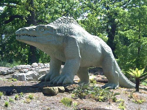 Crystal Palace Park dinosaurs May 06 no 2