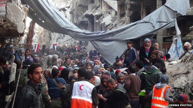 http://news.bbcimg.co.uk/media/images/72824000/jpg/_72824358_yarmouk2.jpg