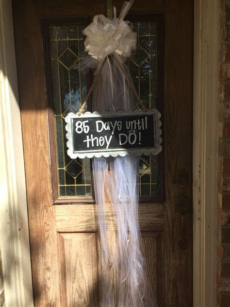 Bridal shower front door decor   Knutson Maid of Honor