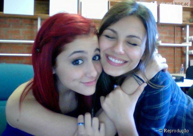 """Ariana Grande e Victoria Justica briga: atriz nega que fez bullying com a colega de """"Victorious"""""""