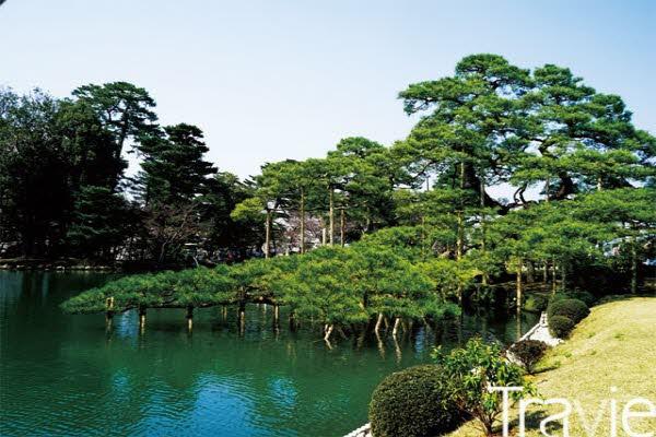 겐로쿠엔의 아름다운 수로