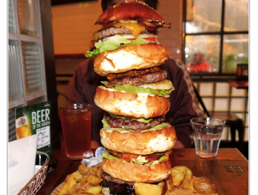 Tokyo's massive Monster Burger is the combining robot of hamburgers | もしもしにっぽん | MOSHI MOSHI NIPPON