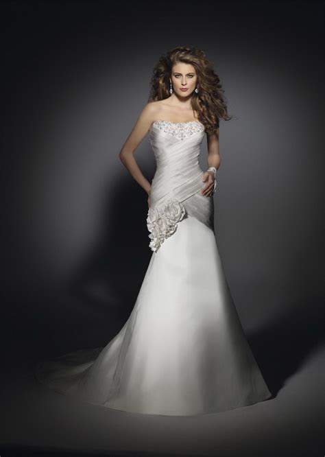 What Is The Best Shape For Your Wedding Dress? · ChicMags