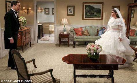 The Big Bang Theory: Mark Hamill officiates Sheldon and