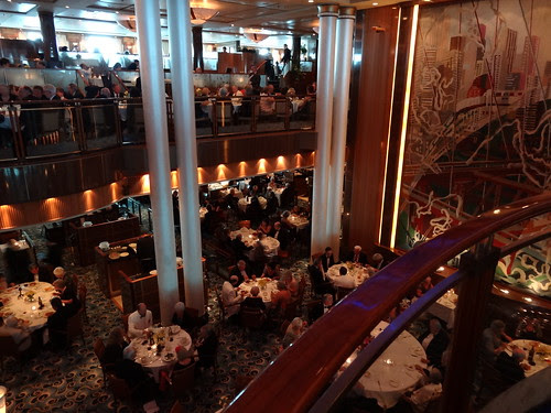 Britannia Dining Room on the Queen Mary 2