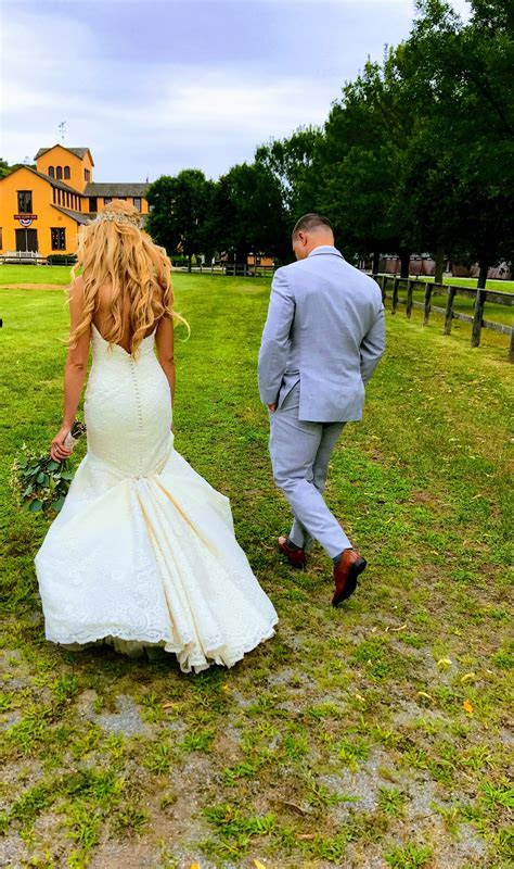 The rustic wedding of your dreams! {The Barn at Old