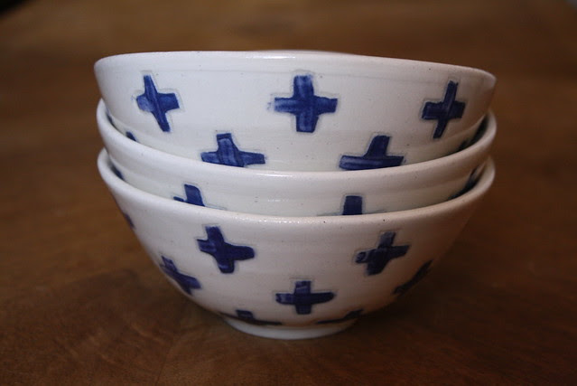 blue & white plus bowls