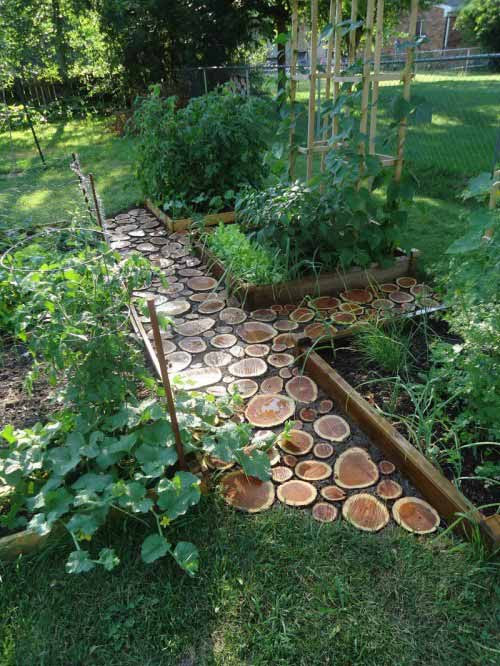 25-Lovely-DIY-Garden-Pathway-Ideas-06
