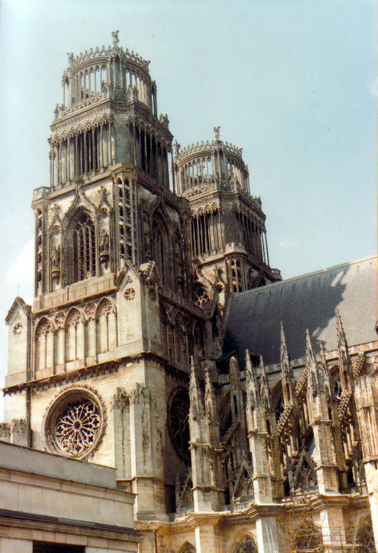 http://upload.wikimedia.org/wikipedia/commons/e/e3/Orleans%27_cathedral2.jpg