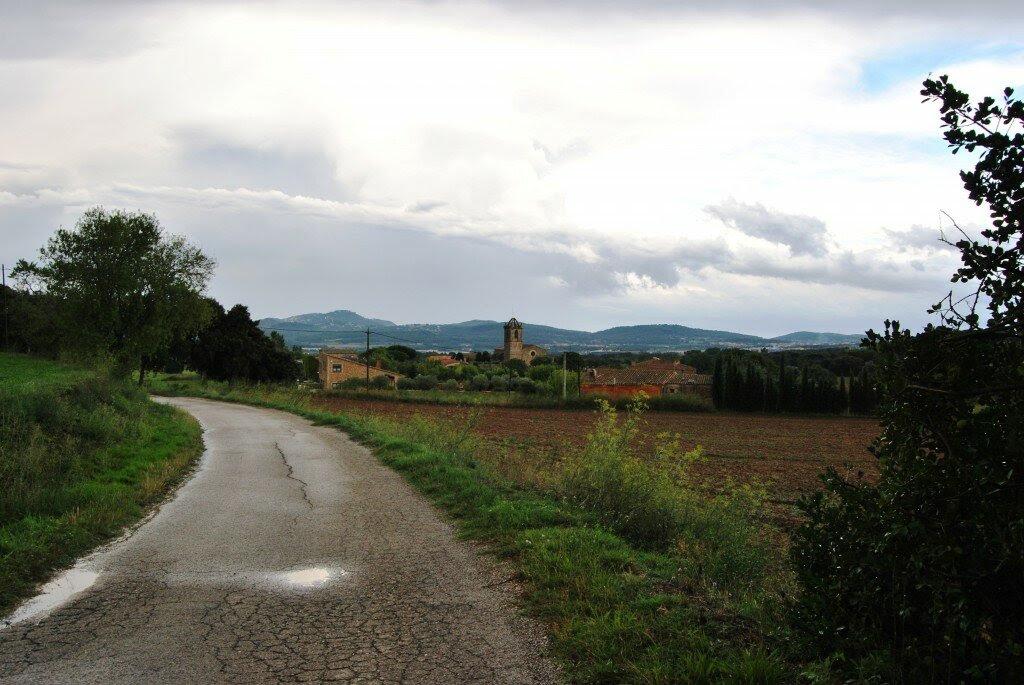 Llofriu, el paisaje ampurdanés de la 'vida lenta' de Pla, tras una tormenta de verano (2014).