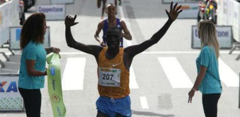 O queniano Stanley Kipleting Biwott foi o campeão / Foto: Paulo Pinto/ Fotos Públicas
