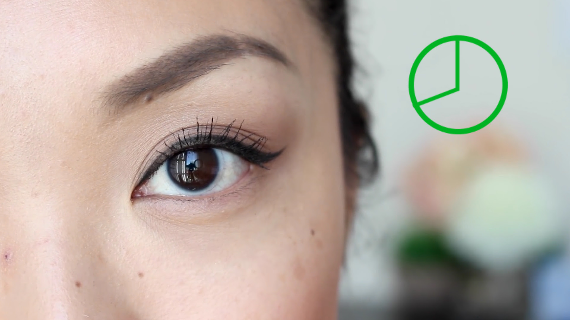 How To Do Angel Wing Eye Makeup 3 Easy Ways To Do Winged ...