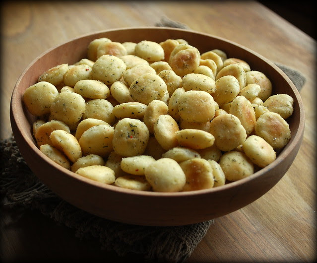 Seasonsed Oyster Crackers 1