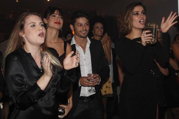 A pista ferveu com o show do Sambô e as suas versões originais (Foto: Nathalia Fernandes/Globo)