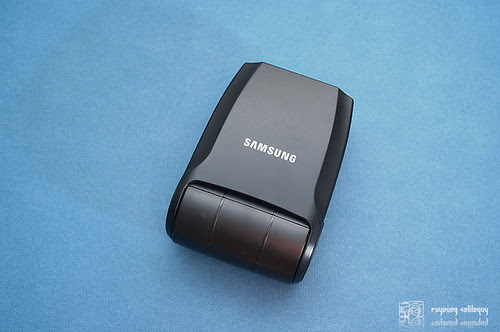 Samsung_NX10_flash_10