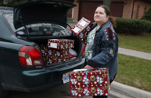 Santa Claus Fund: It really is about the giving, delivery volunteer learns | Toronto Star