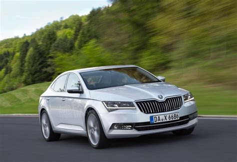 skoda superb autogyaan
