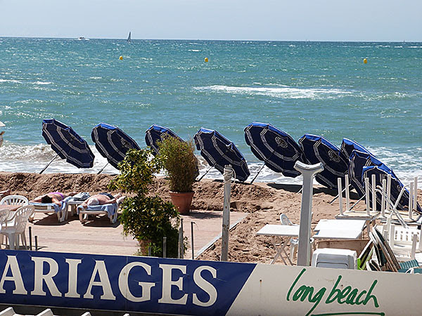 plage et parasol