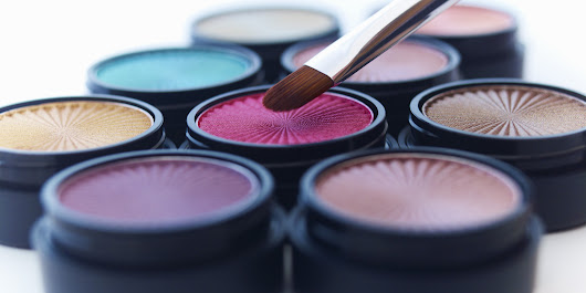2 Steps To Avoid Makeup Color Choices Washing You Out | Huffington Post