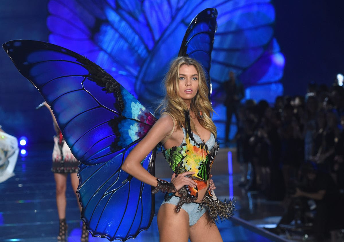Stella Maxwell showed off her (butterfly) Angel wings.