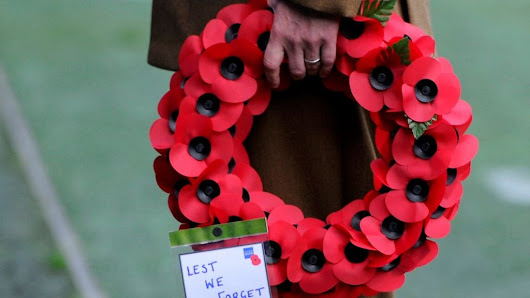 Remembrance Sunday: Queen to lead tributes to war dead - BBC News