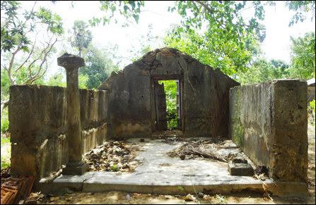 Kooddaththaar Temple at I'lavaalai