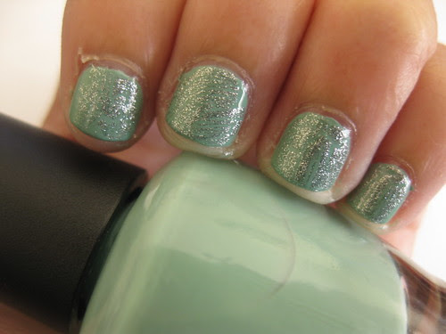 OPI Mermaids tears 020 Left
