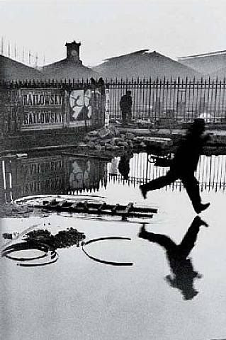 """The image """"http://images.artnet.com/artwork_images_424216256_304268_henri-cartier-bresson.jpg"""" cannot be displayed, because it contains errors."""