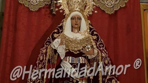 La Virgen de la Encarnación, con el nuevo manto