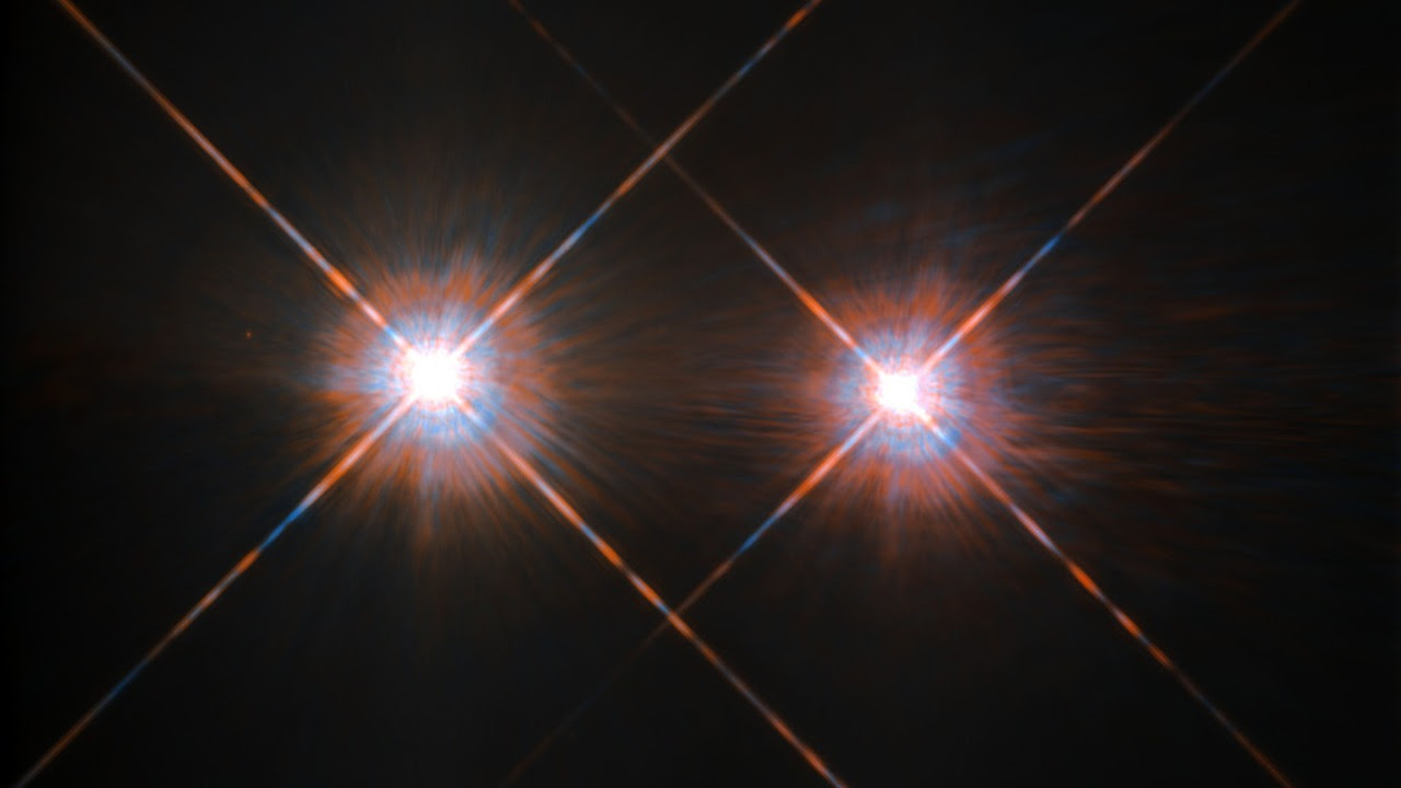 The closest star system to the Earth is the famous Alpha Centauri group. Located in the constellation of Centaurus (The Centaur), at a distance of 4.3 light-years, this system is made up of the binary formed by the stars Alpha Centauri A and Alpha Centauri B, plus the faint red dwarf Alpha Centauri C, also known as Proxima Centauri. Image credit: ESA/Hubble & NASA