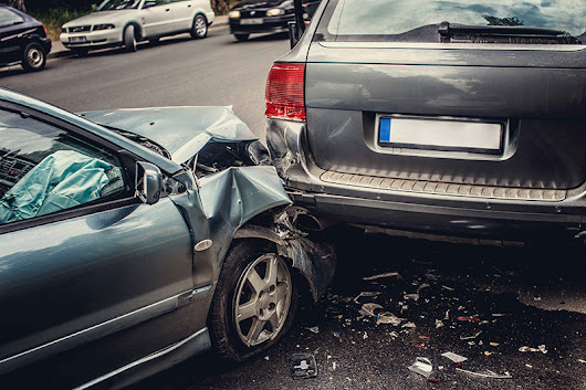 How to Handle a Car Accident | Little & Sons Insurance Group