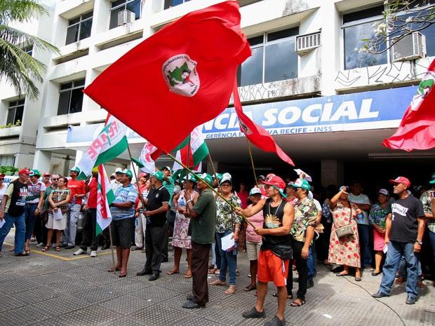 Servidores fazem ato contra a reforma da Previdência no Recife (Foto: Marlon Costa/Pernambuco Press)