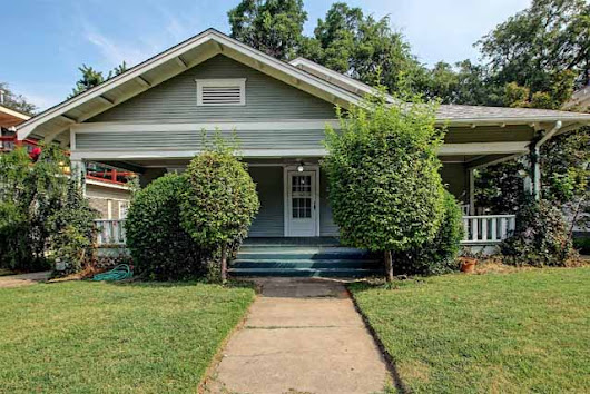 Craftsman Bungalow in Maple Ridge - midtown Tulsa - Midtown Tulsa Real Estate