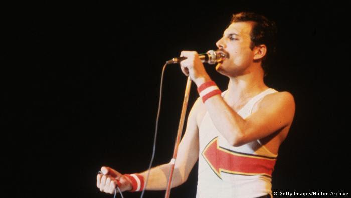 Großbritannien Freddie Mercury in London (Getty Images/Hulton Archive)